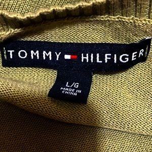 TOMMY HILFIGER- Olive Green Argyle V-neck